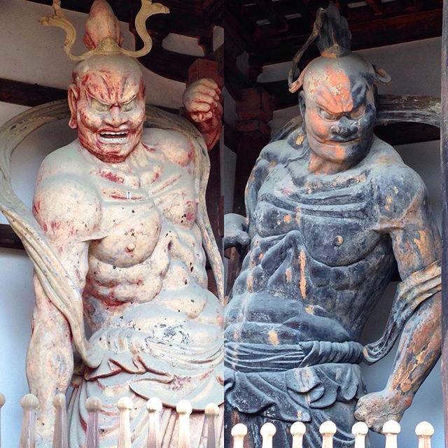 法隆寺 中門 金剛力士像