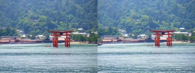 JR宮島フェリーからの嚴島神社②(平行法)