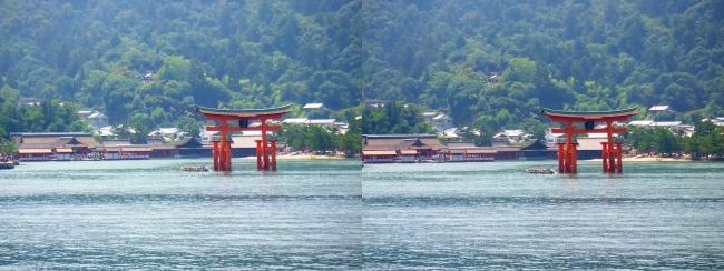 JR宮島フェリーからの嚴島神社②(交差法)