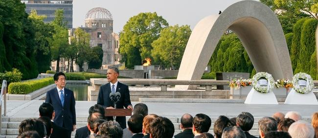 オバマ大統領の広島訪問 17分のスピーチ 安倍晋三首相とのツーショット(2016.5.27)