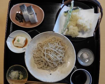 蕎麦と天ぷらと鯖寿司