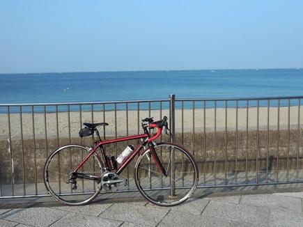 自転車と海
