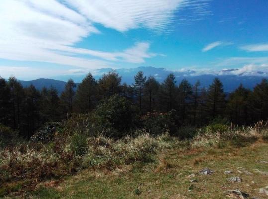 山頂からの眺望(西峰から中央アルプスを望む)