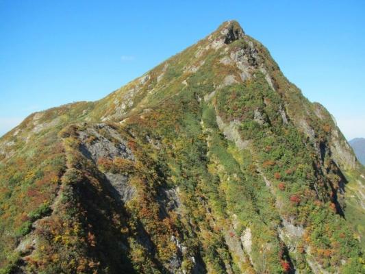 大源太山の鋭峰