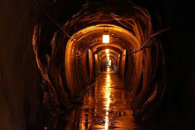 20160919黒部峡谷のかっこいいトンネル