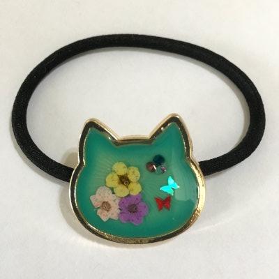花咲くネコのヘアゴム