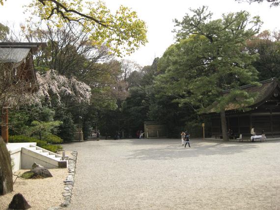 熱田神宮・龍神社05