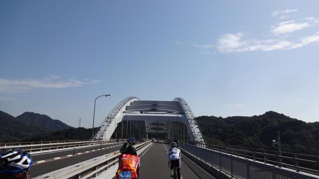 橋はのんびりと