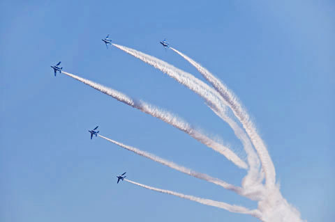 BlueImpulse4_110416
