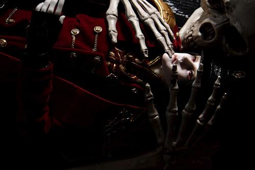 「帝都物語」の加藤保憲としてお迎えした、Ring Doll、Dracula Style-Bをスタジオ・クラウンさんに連れて行きました。平将門の怨霊にいたぶられる加藤保憲