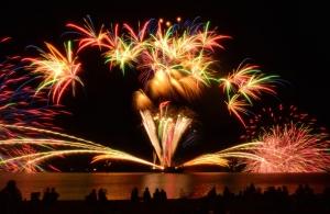 海辺の花火
