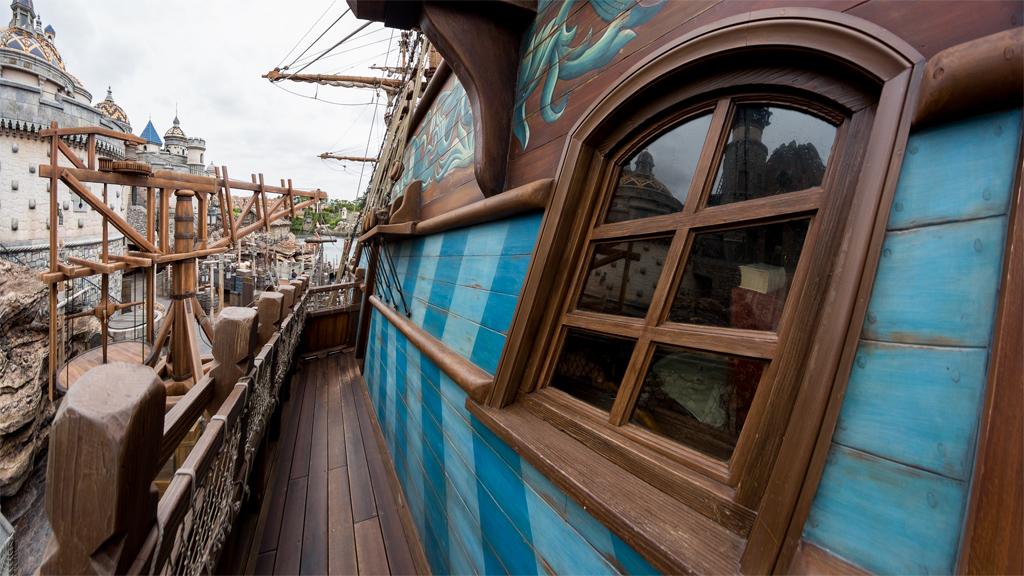 船窓(ルネサンス号)