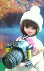 1 10月24日カメラ女子アップ黄色