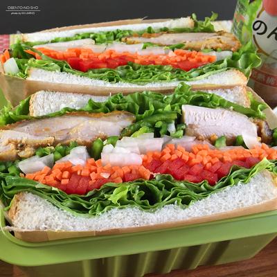 タンドリーチキン野菜サンド弁当02