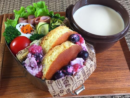 ベリークリームチーズホットケーキ弁当01