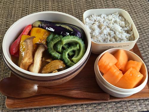 夏野菜のポークカレー弁当01