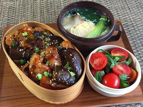 茄子と豚の甘辛丼弁当01