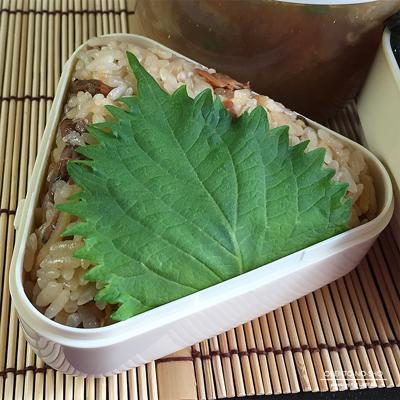 あさり佃煮の炊き込みおむすび弁当02