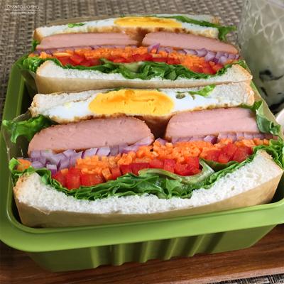 マルちゃんのえび風味ハンバーグサンド弁当02