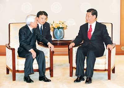 中国一行は「とても非礼」 エリザベス女王が本音ポロリ