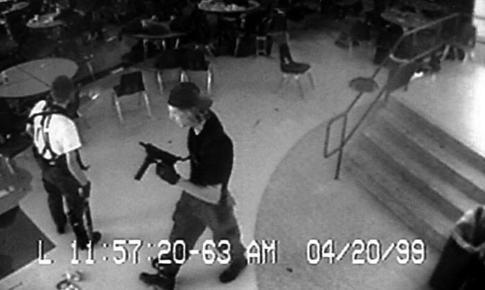 米コロンバイン高校銃乱射事件を語っていけ