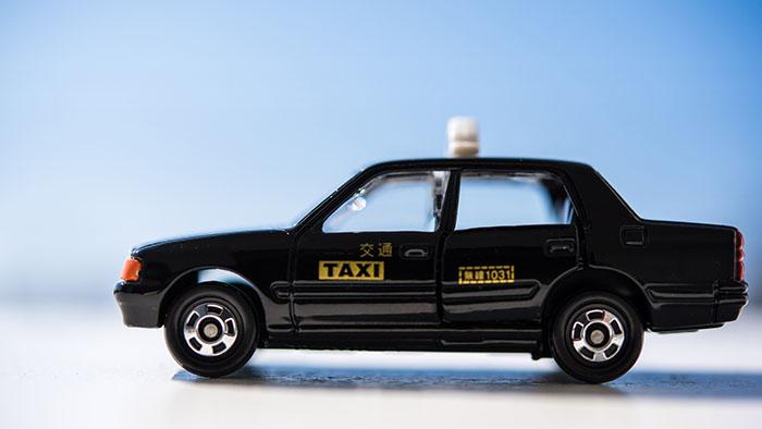 タクシーに乗った女の幽霊