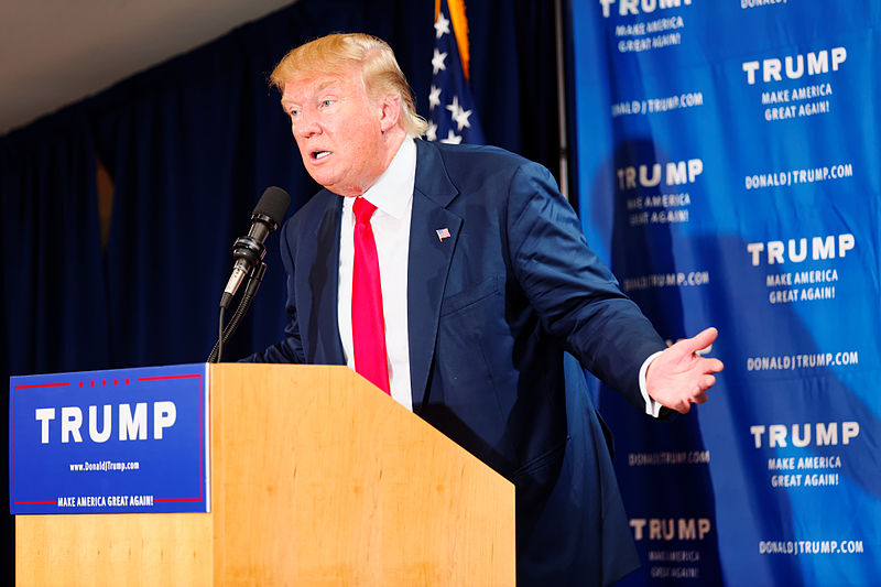 【大統領選】ドナルド・トランプ候補「ヒラリー氏の支持は世界の支配者階級による陰謀だ。今の民主主義は幻想で私の選挙活動は支配者達への挑戦でもある」