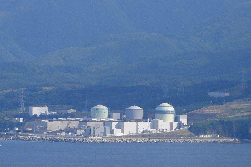 北海道・泊原発、地震で防潮堤が壊れるおそれ…液状化で沈み込む可能性も