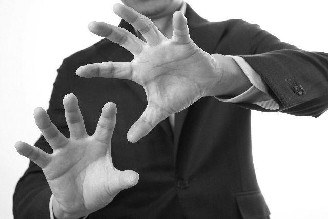 男性200人にアンケート「心霊現象を信じていますか?」 → 「約32%」が信じているという結果に