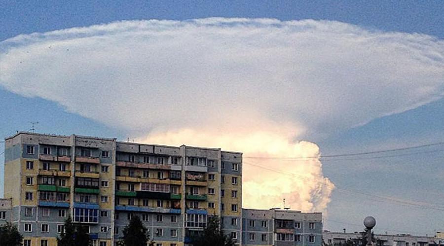 ロシア・シベリアで超巨大なきのこ雲が出現!海外サイトで話題に