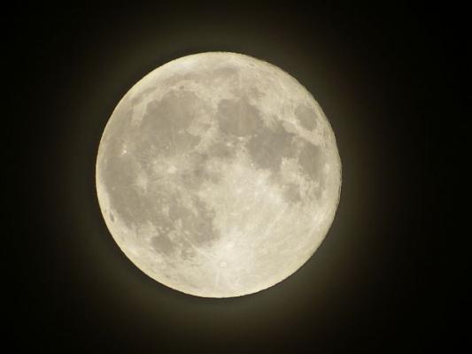 moon63456345.jpg