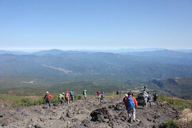 登山者の約半数が現在の「噴火警戒レベルや噴火予報」の有無を知らずに登っている現実