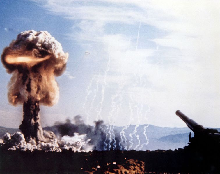 【冷戦】アメリカとかロシアって余裕で「地球滅亡」させられるだけの力あるやんか