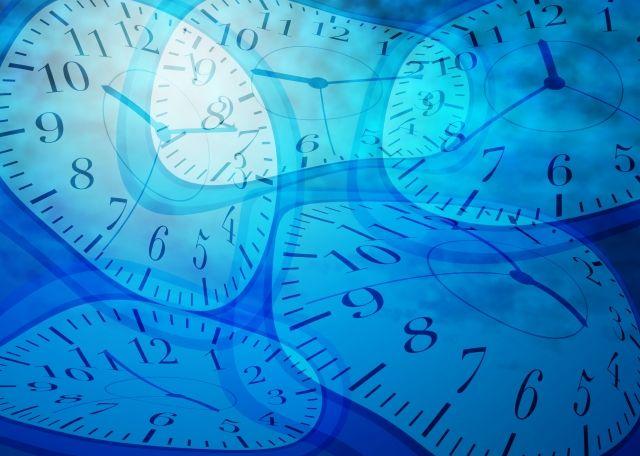 年を取ると時間の経過がとても早く感じる...子供の頃は長いのに…時間が加速する理由とは?