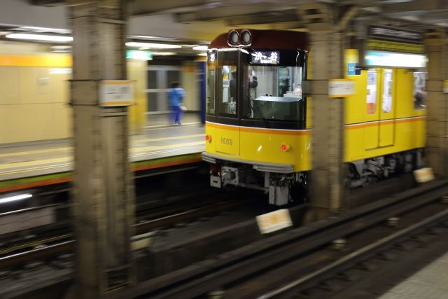 【地下鉄】東京メトロで相次ぐ深刻な「謎のレールトラブル」 銀座線や東西線でレールに亀裂や断裂が見つかる!