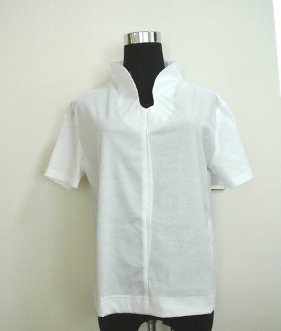 白スタンドシャツ