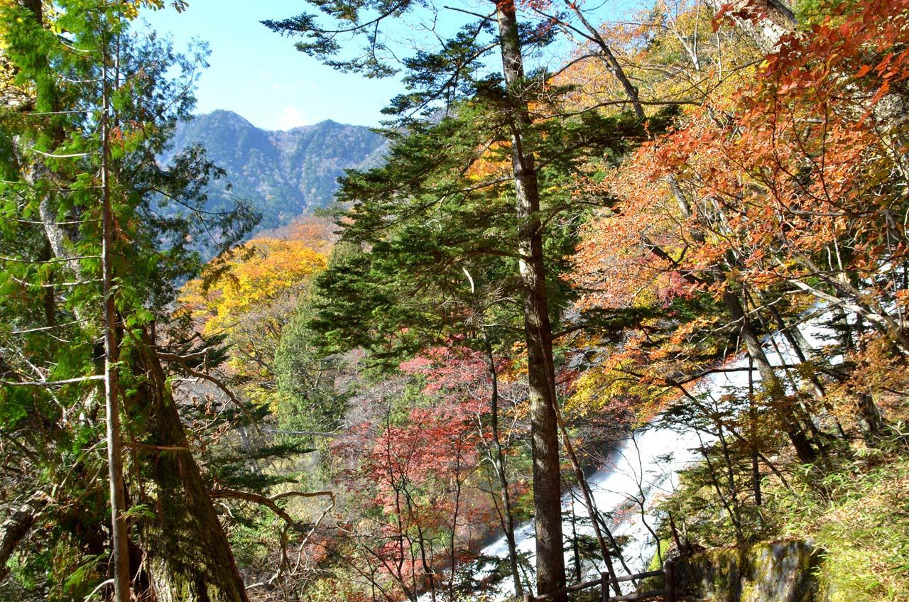 D70_4556湯滝湯ノ湖