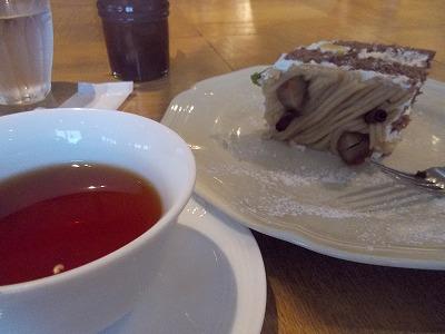 モンブランと紅茶