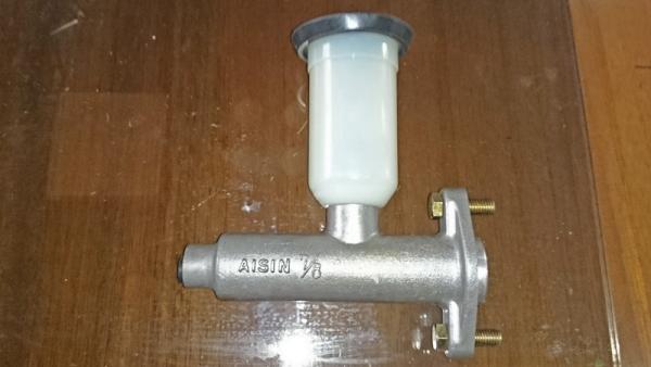 DSC_0030ブレーキMシリンダー(未使用パーツ)