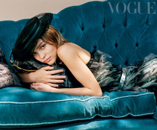 1103 Lily Vogue