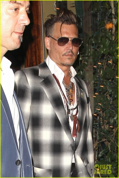 johnny-depp-has-family-dinner-with-lily-rose-15.jpg