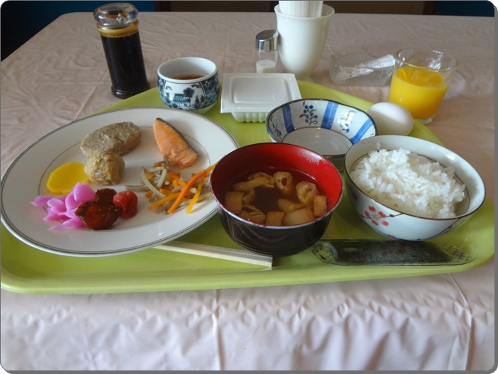 ホテル朝食DSC08270