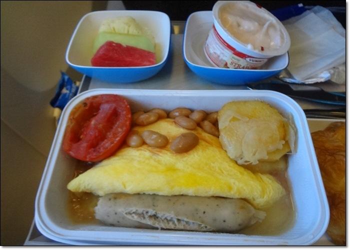 機内食朝食DSC09034