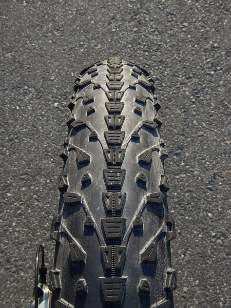 1607_maxxis_tire05