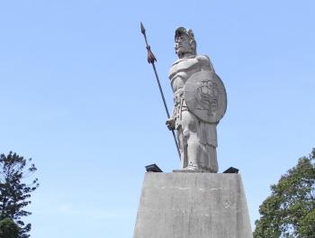tecun_uman_statue.jpg