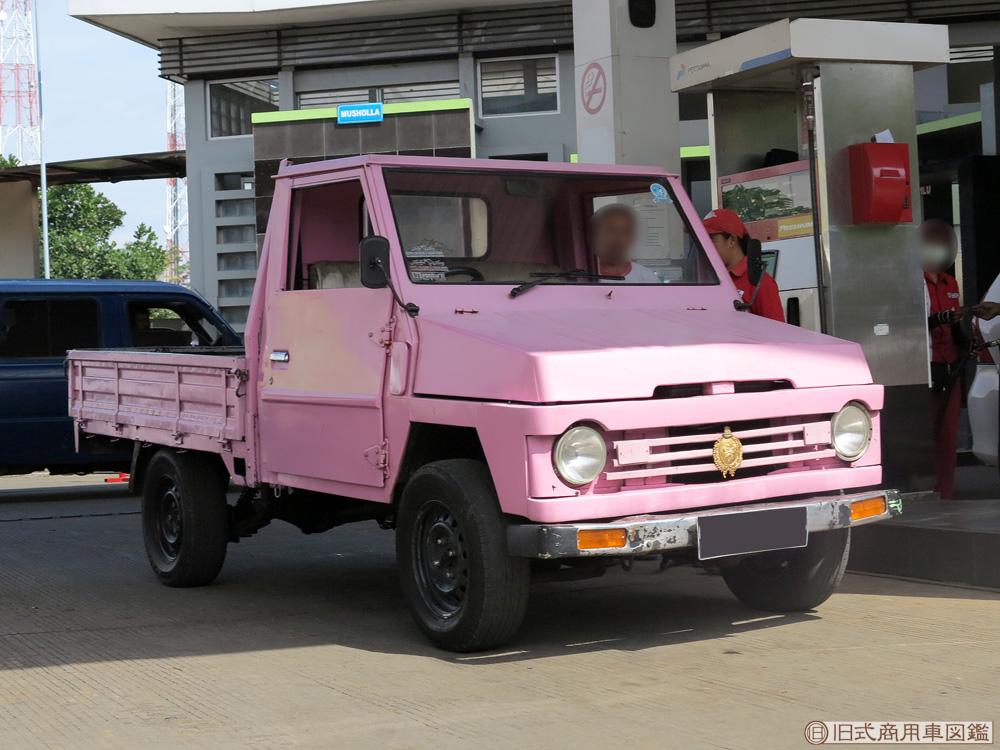 Toyota_1st_Kijang_4.jpg