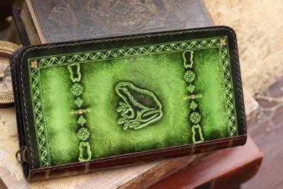 カエルの長財布