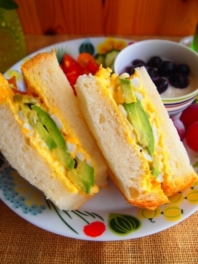 avocado&egg sandwich