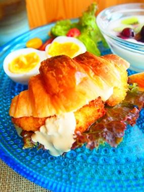 fish croissant sandwich