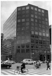 経済事件の舞台となったイトマン本社 =大阪市中央区(1991年4月撮影)_ecn1610211700004-n1